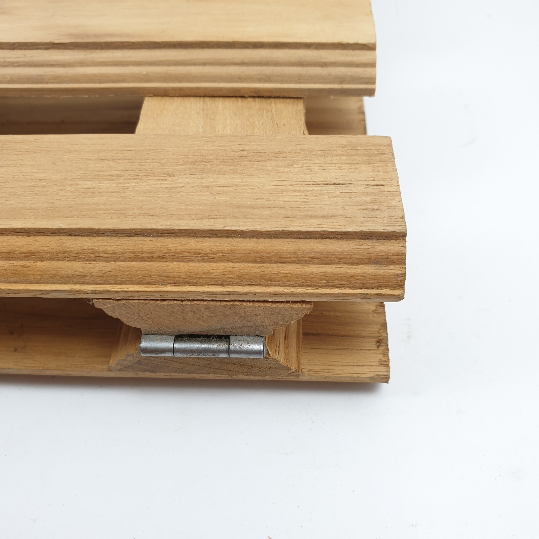 SJK รั้วไม้สักบานพับ 4 พับเล็ก  SJK04 ขนาด 25x120 cm.