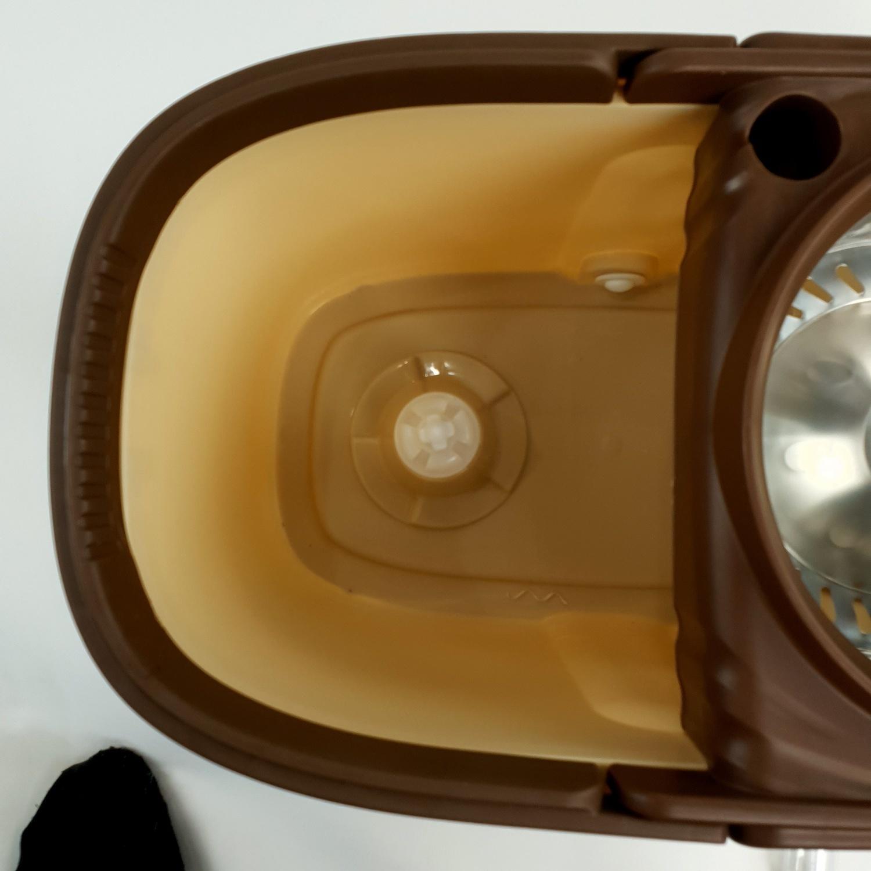 LUXUS ชุดม็อบปั่นถังสเตนเลส 2 ล้อ ขนาด 28x47x24.5ซม ด้ามสเตนเลส สีกากี  ZMP008-KHA