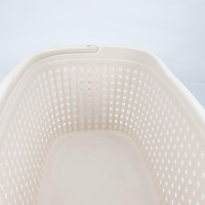 - ตะกร้าผ้าพลาสติกหูหิ้วขนาด 40x60x27 ซม.   DYS038  สีครีม