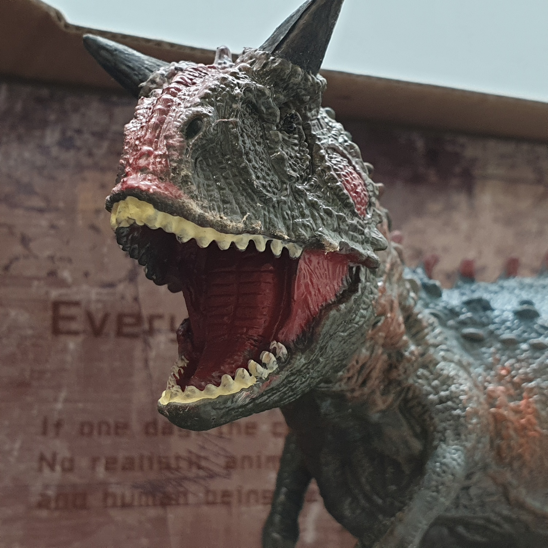 Sanook&Toys ไดโนเสาร์ Carnotaurus ขนาด 11*29*14cm  X3052 สีน้ำตาล