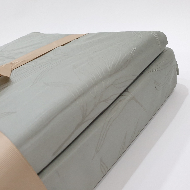 Truffle ชุดผ้าปูที่นอน cotton 100% 4ชิ้น  ขนาด 6 ฟุต   106-1-3 สีเขียวอ่อน