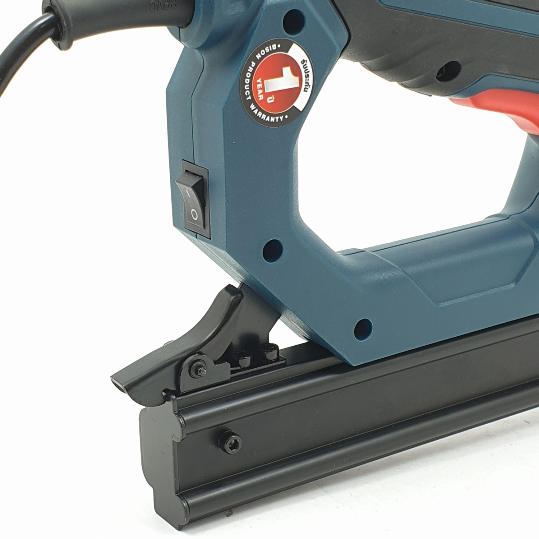 BISON ปืนยิงลูกแม็กซ์ไฟฟ้า สีฟ้า ETK-6043
