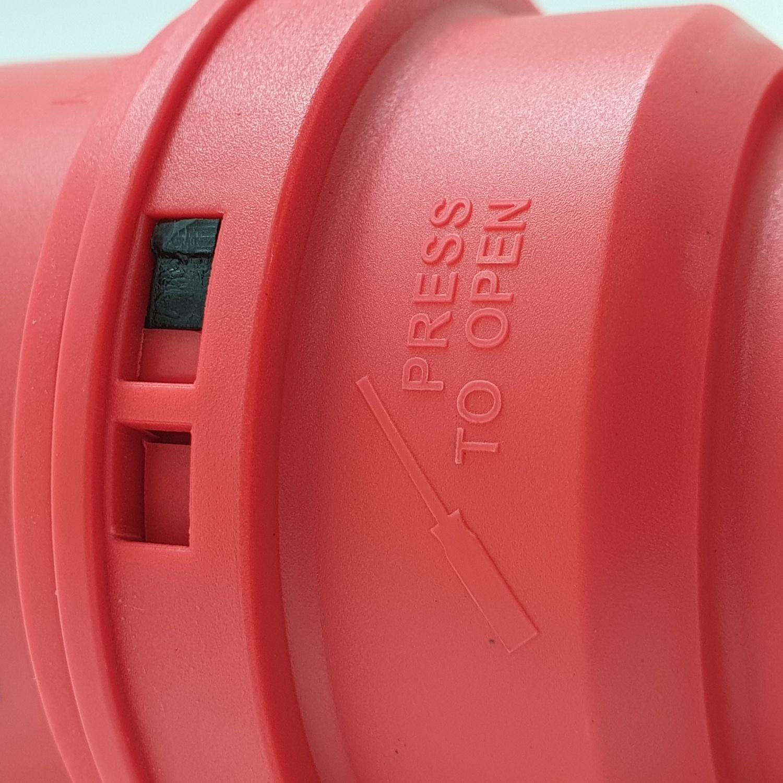 V.E.G ปลั๊กตัวผู้กลางทาง RG-P024 สีแดง
