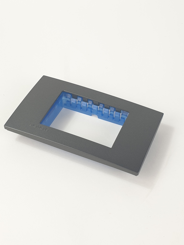 SIEMENS ฝา 3 ช่อง ขนาด 120 มม. DELTA azio สีดำ 5TG9 860-7PB04 black