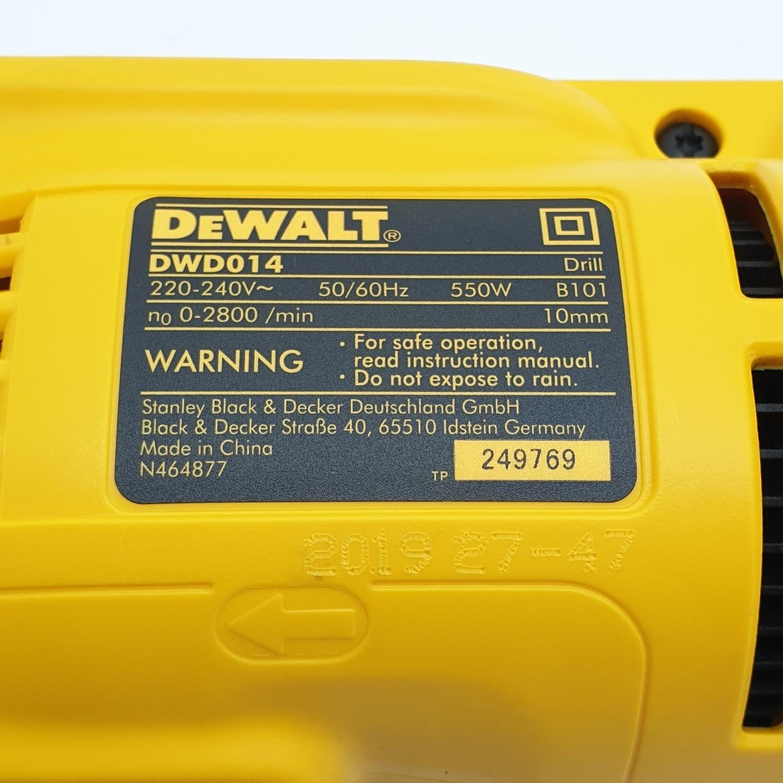 DeWALT สว่านไขควง 550 วัตต์ DWD014 สีเหลือง