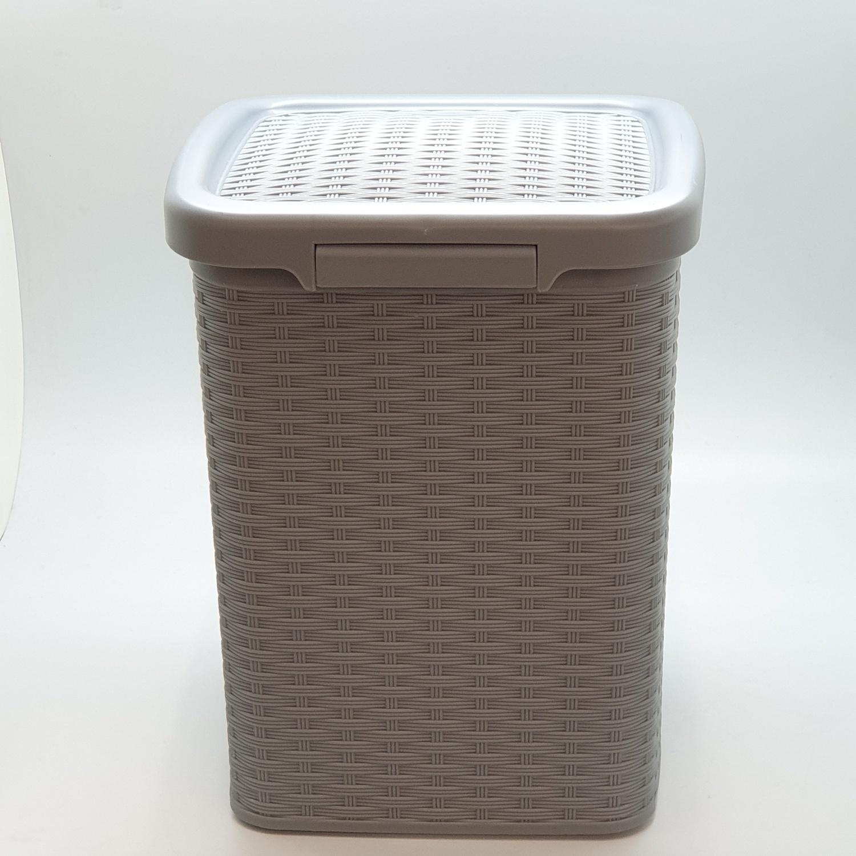 ICLEAN ถังขยะเหยียบเหลี่ยม 10 ลิตร ขนาด 24.5x24.5x32ซม.  TG54603 ลายสาน  สีเทาอ่อน