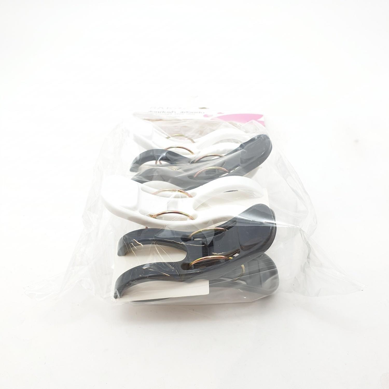 SAKU ตัวหนีบผ้า 4ตัวหนีบ ขนาด 8.5x3x6.2ซม. สีขาว ดำ TG52205  บรรจุ 4 ชิ้น/แพ็ค
