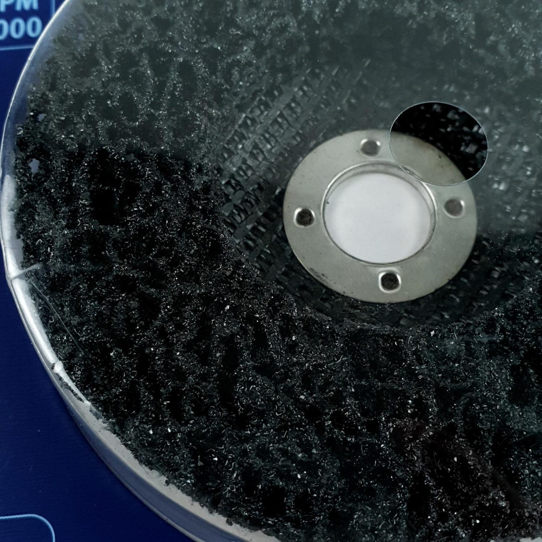 "ALCOR แผ่นขัดลอกสนิม 100MM. (4"") รูแกน 16MM. A446957 สีโครเมี่ยม"