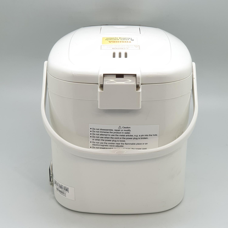 TOSHIBA กระติกน้ำร้อนดิจิตอล  ขนาด 2.5 ลิตร  PLK-25FL(WT)A