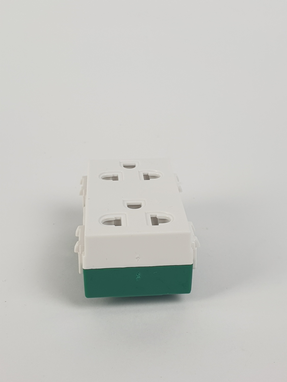 CHANG เต้ารับคู่มีกราวด์ PCH-904 ช้าง PCH-904 สีขาว