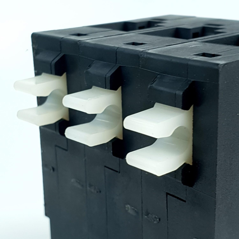 CHANG ลูกเซอร์กิต 3P 32A ช้าง US3 3P32A สีดำ