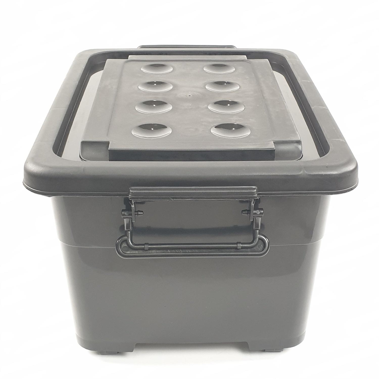 KPC กล่องพลาสติกมีล้อ ขนาด  40x52x32.5cm. KCW-40-01B สีดำ