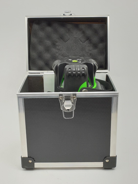 HUMMER เครื่องตั้งระดับเลเซอร์ (เส้นสีเขียว) รุ่น QQ-SL09/G