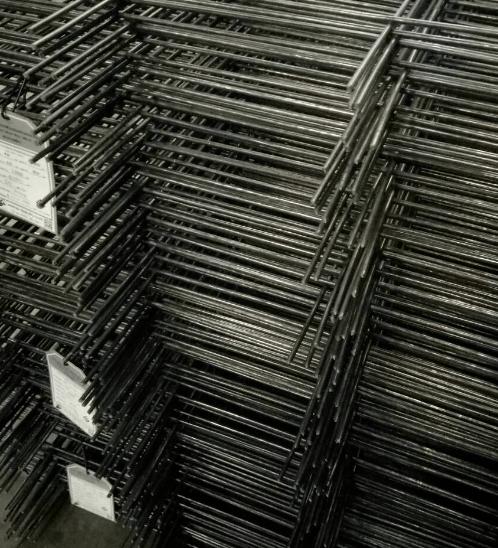 แอล.เอ ตะแกรงไวร์เมช 6.0 mm. 30 x 30  ขนาด 3.5 x 10 (แผ่น) สีดำ