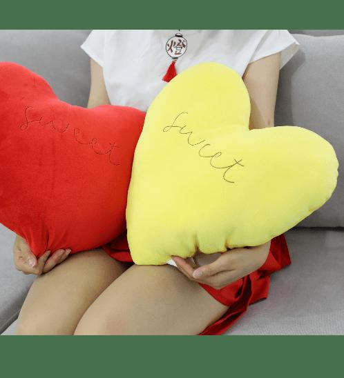 COZY หมอนอิงรูปหัวใจ  ขนาด 40x46 ซม. สีเหลือง