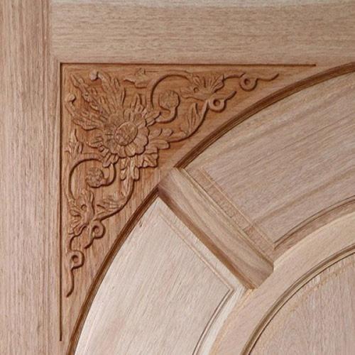 BEST ประตูไม้สยาแดง ลูกฟักแกะลาย (โปร่ง) 80x200  ซม.                GC-01