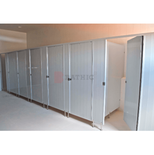BATHIC แผงพาร์ทิชั่น ผนังห้องน้ำพีวีซี  ขนาด 30x185 cm.  PT สีครีม