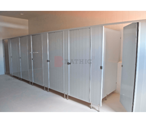 BATHIC ผนังห้องน้ำพีวีซี แผงพาร์ทิชั่น ขนาด 70x180ซม. PT สีครีม