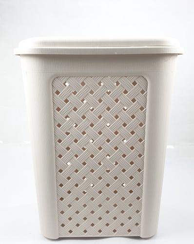- ตะกร้าผ้าพลาสติกทรงสูง มีฝาปิด  ขนาด 33.50x43.50x55 ซม.  DYS042 สีครีม