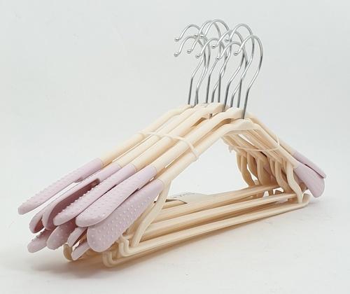 SAKU ไม้แขวนเสื้อพลาสติกกันลื่น บรรจุ 10ชิ้น/แพ็ค AN01 สีม่วง