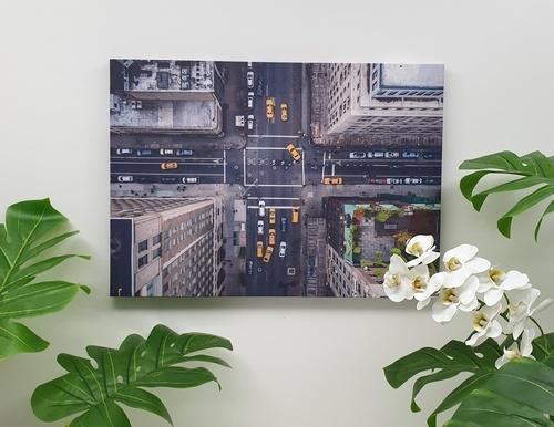 NICE รูปภาพพิมพ์ผ้าใบ City ขนาด  70x50 ซม. (ก.xส.) (สี่แยกถนนเมือง) C7050-20