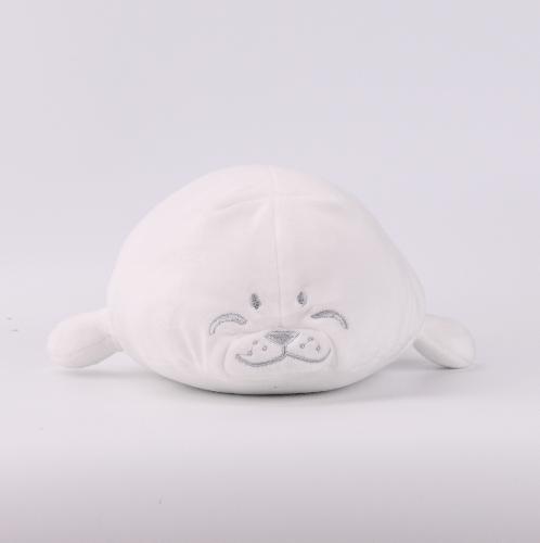 COZY หมอนตุ๊กตาแมวน้ำ  size S  สีขาว
