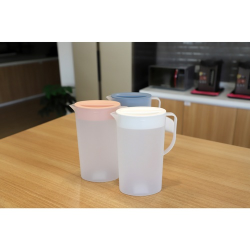 GOME เหยือกน้ำพลาสติก ขนาด 9.5x19.5x25.5ซม. (2.2L.) คละสี O-No-Mi