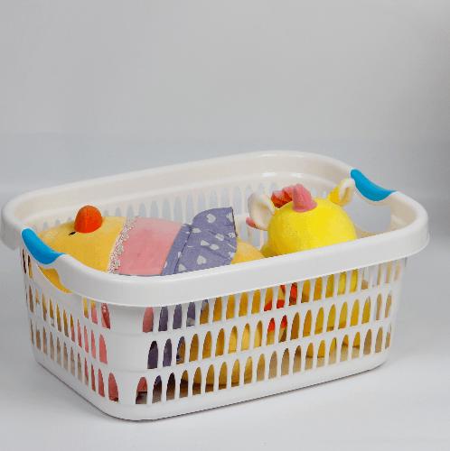 SAKU ตะกร้าผ้าพลาสติกมีหู 28ลิตร ขนาด 48x35x21ซม. TG54242 สีขาว