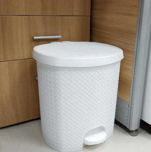 ICLEAN ถังขยะเหยียบ 6.5ลิตร ขนาด 24.5x23x26.5ซม. TG51839 สีขาว ลายสาน