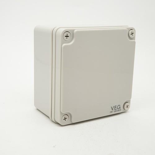 V.E.G กล่องกันน้ำพลาสติกTHE-11 125x125x75mm. V.E.G  ขาว