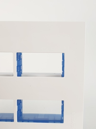 SIEMENS ฝา 4 ช่อง DELTA azio สีขาว 5TG9 861-0PB01 ขาว