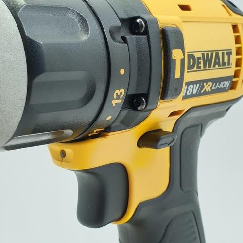 DeWALT สว่านไฟฟ้ากระแทกไร้สาย 18V. DCD785D2  สีเหลือง