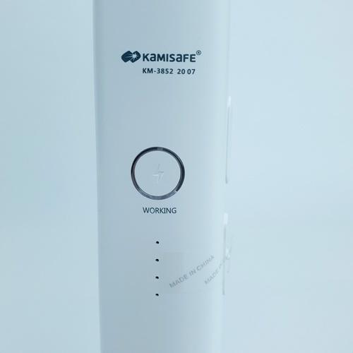 Kamisafe ไม้ตียุงชาร์จไฟ มีไฟบอกสถานะแบตคงเหลือ KM-3852 ขาว