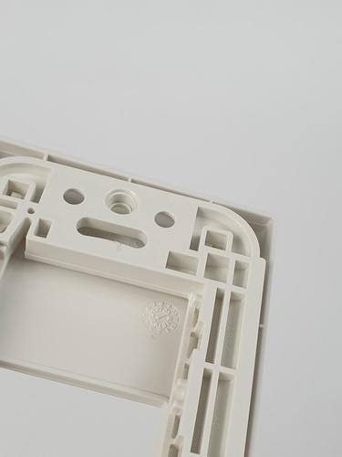 ฝาพลาสติก 1 ช่อง WEG6801WK  NO COLOR