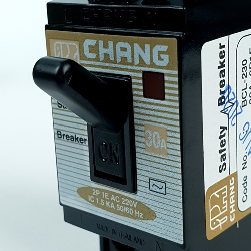 CHANG เบรคเกอร์ 30A BCL 230 มีไฟ-ช้าง BCL-230 สีดำ