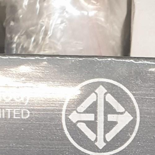 GATA ชุดโคมไฟ  แอลอีดี ที8  18วัตต์ แบล็คแอนด์ไวท์ - สีขาว