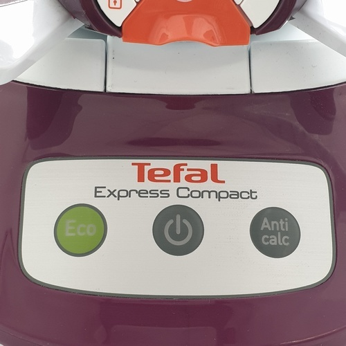 TEFAL เตารีดแรงดันไอน้ำ ขนาด 2830 วัตต์  SV7120 สีแดง