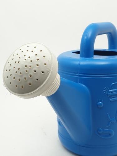 ตรามังกร บัวรดน้ำพลาสติก ขนาด  2 ลิตร สีฟ้า