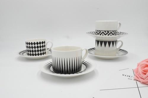 KUP ชุดถ้วยกาแฟ คละลาย  LUXY ขาว-ดำ