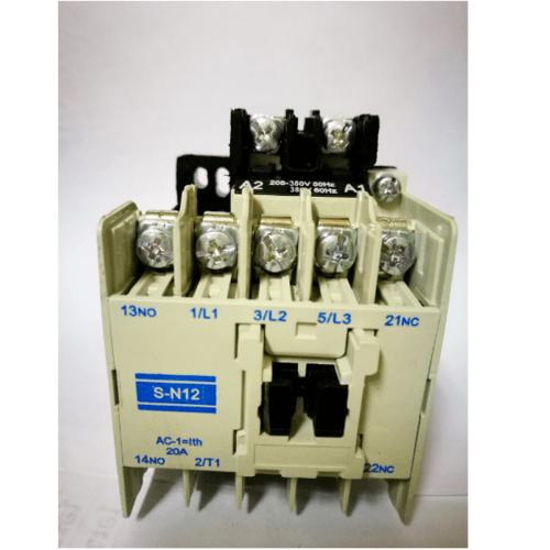 TAKARA คอนแทคเตอร์  SN12-380V สีครีม