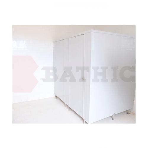BATHIC ผนังห้องน้ำพีวีซี แผงพาร์ทิชั่น 80x124 ซม.สีครีม BATHIC PT