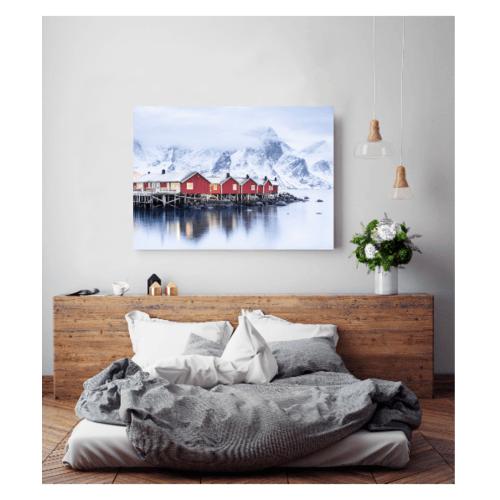 NICE รูปภาพพิมพ์ผ้าใบ City ขนาด 70x50 ซม. (ก.xส.) (บ้านสีแดงใกล้ภูเขาน้ำแข็ง) C7050-17