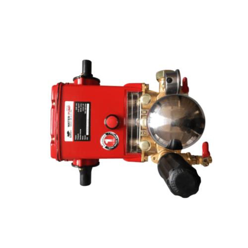 BISON เครื่องพ่นยา 3สูบ 1 นิ้ว HPW-30C สีแดง