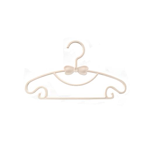 SAKU ไม้แขวนเสื้อพลาสติก สำหรับเด็ก บรรจุ 5 ชิ้น/แพ็ค AN26    สีเบจ