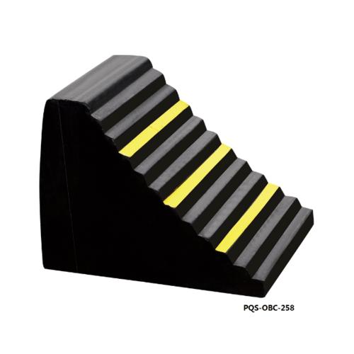 Protx ยางห้ามล้อแบบสามเหลี่ยม 24 x 16.5 x 19.5 CM.  PQS-OBC-258 สีดำ