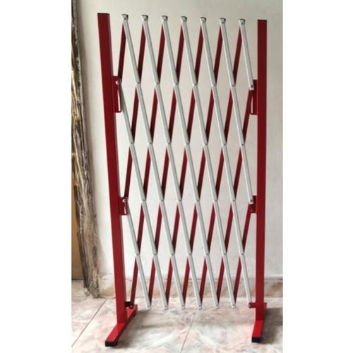 Protx รั้วอเนกประสงค์ยืด-หดได้ ขนาด 250x31x153cm  สีแดง-ขาว  KT1004C