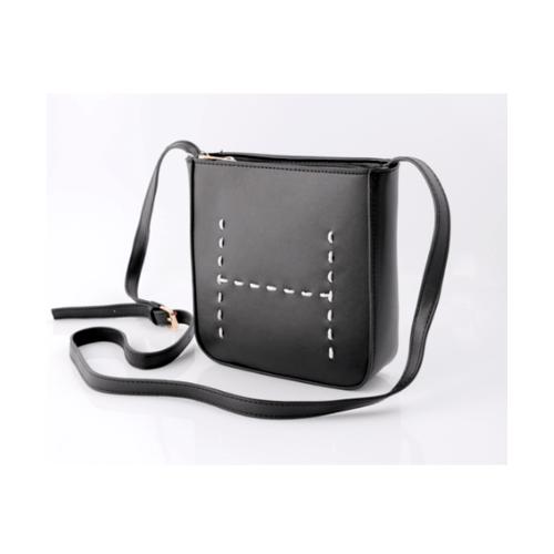 USUPSO กระเป๋าสะพายสายเรียบ สีดำ