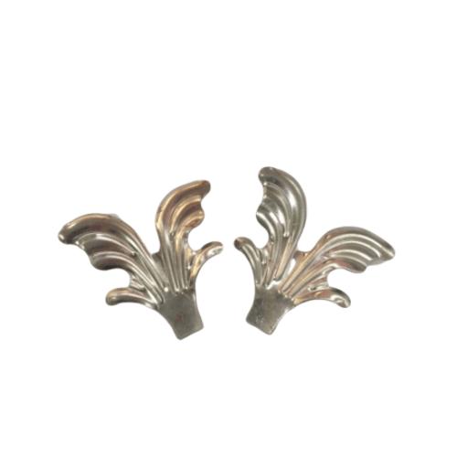 Wellingtan ลายเหล็กดัด ใบชบา (ซ้าย) ขนาด 65x63 มม. 023-L สีโครเมี่ยม
