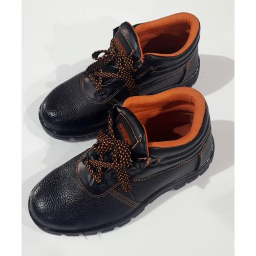 Protx รองเท้าเซฟตี้ พื้นเหล็ก เบอร์38  PW106 สีดำ