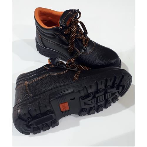 Protx รองเท้าเซฟตี้ พื้นเหล็ก เบอร์ 40 PW106 สีดำ